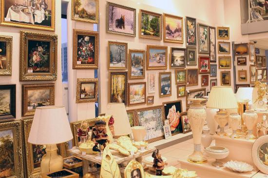 Moscovsky Department Store Art Salon