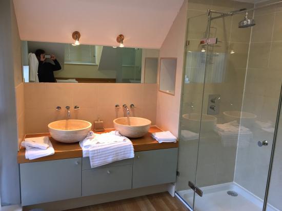 Felbrigg Lodge: Bathroom photo of Sycamore room