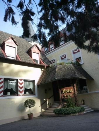 Hotel Sonnenhof Merano: l'ingresso dell'Hotel