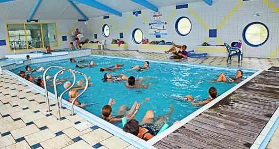 Aquagym dans la piscine couverte et chauff e picture of for Camping ile de noirmoutier avec piscine couverte