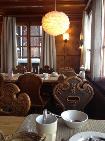 Hotel Le Grand Chalet Favre a St-Luc : le petit déjeuner !