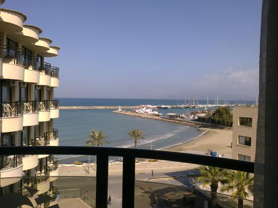 Hotel By Karaaslan Inn: Uitzicht op zee.