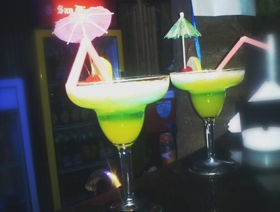 El Tiki Bar: awesome margaritas!