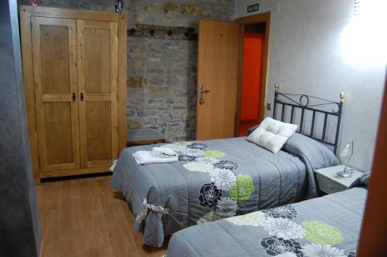 Zubiri, Spain: Habitación de la pensión
