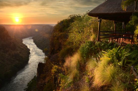 Gorges and Little Gorges Lodge: Gorges Lodge at Sunrise