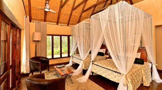 Gorges and Little Gorges Lodge: Newly refurbed twin room