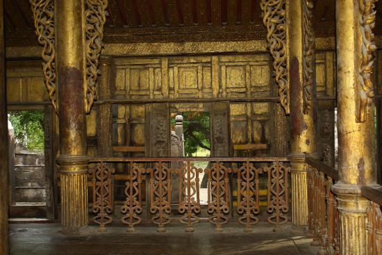 Pareti Doro : Le pareti dorate e intarsiate foto di monastero del palazzo doro
