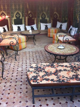 Riad Maison Belbaraka : terraza