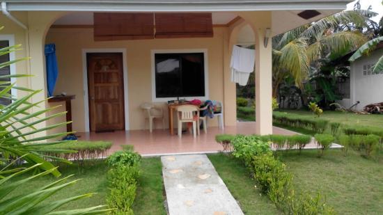 Bohol Sunside Resort: apartment room
