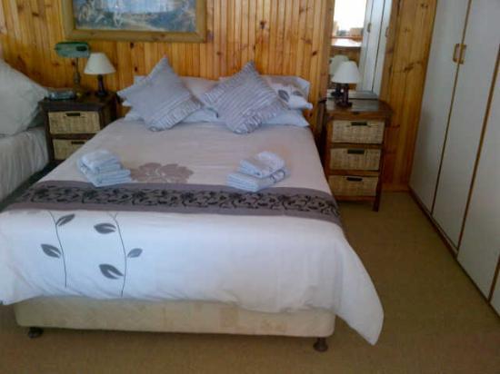 Tertia's Log Cabin