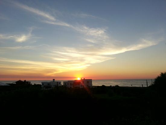 Posada de los Pajaros: Vista del amanecer desde una habitacion en planta baja
