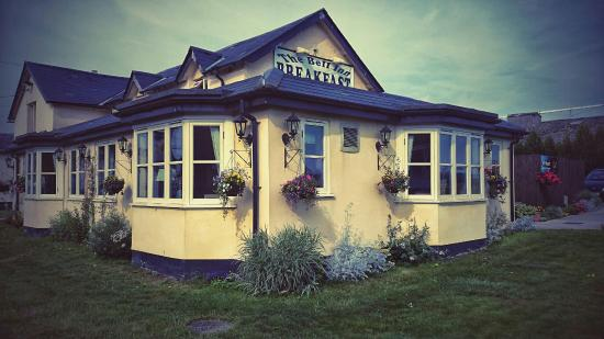 the bell inn: Warm, friendly, clean and a great place to eat breakfast, lunch or evening meal. Call us on 0198