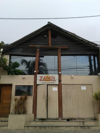 Zapata : Fachada da casa...