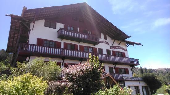 Hotel & Resort La Cumbrecita: Uno de los costados
