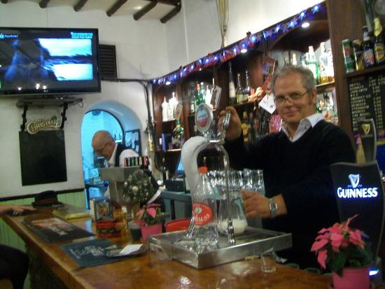 The Coach and Horses: Der Wirt