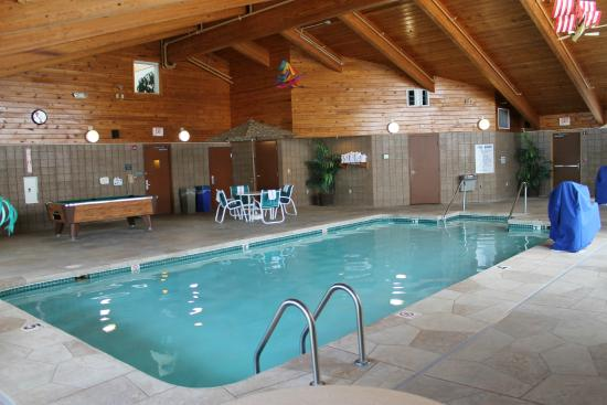 AmericInn Hotel & Suites Sheboygan: Great pool