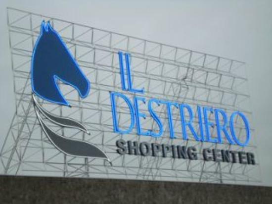 wholesale dealer 63bac b23ed Centro commerciale - Recensioni su Il Destriero, Vittuone ...