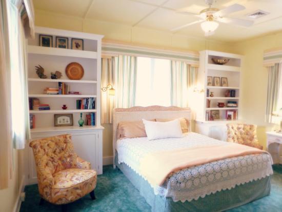The Inn at Solvang: Garden Room