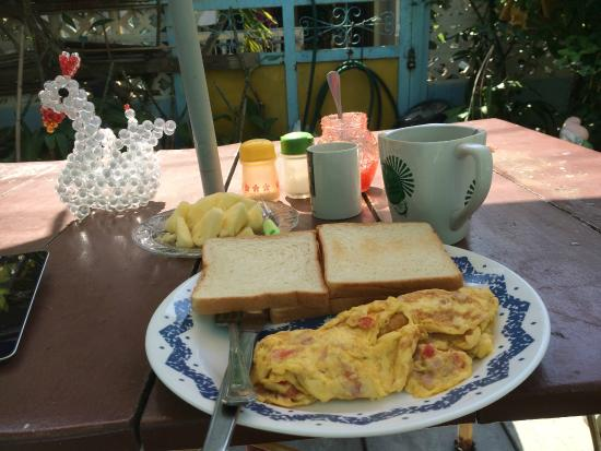 Hua Hin Kings Home: Breakfast