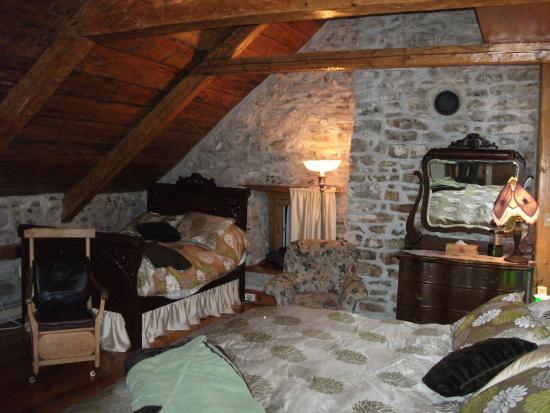 Auberge Baker: La chambre Cloutier, un lit King et un lit double