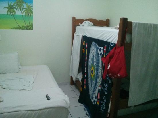 Brisa do Caita Praia Hotel: Beliche que virou cabide.. rs