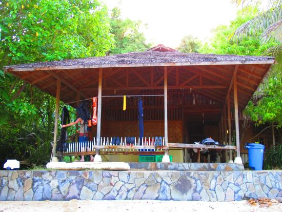Living Colours Dive Resort : dive shop