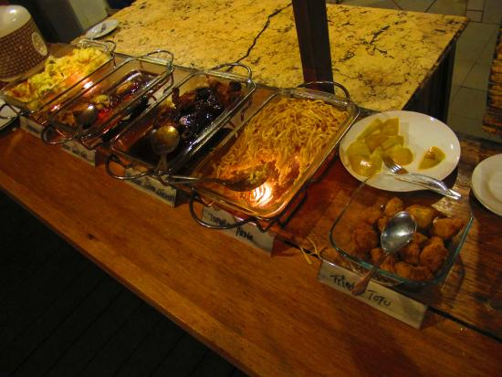 Living Colours Dive Resort: incredible buffet. Ohhh the FOOOOD