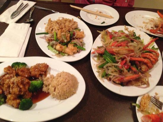 Pearl: Lobster w/ Ginger, Sesame Chicken, Crispy Salt & Pepper Shrimp, Egg Rolls and Crab Rangoon!!!