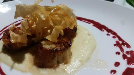 Hilo Bay Cafe : Scallop appetizer