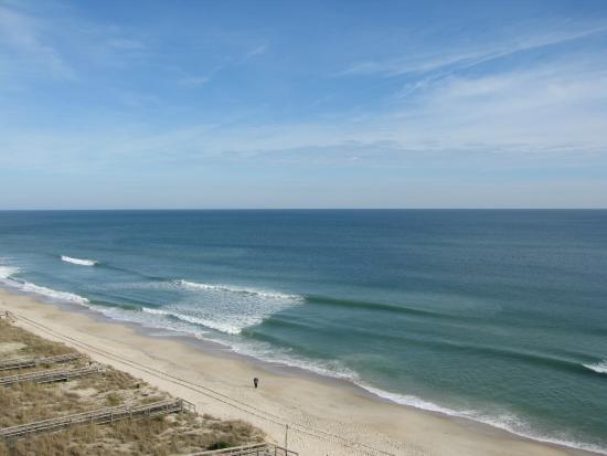Atlantic Towers: quiet beachy day