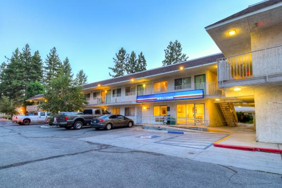 H tels big bear region derni re minute for Hotel derniere minute