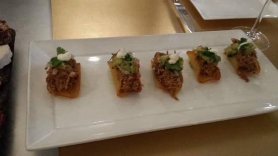 Morrell Wine Bar & Cafe: Must try Pork Tacos