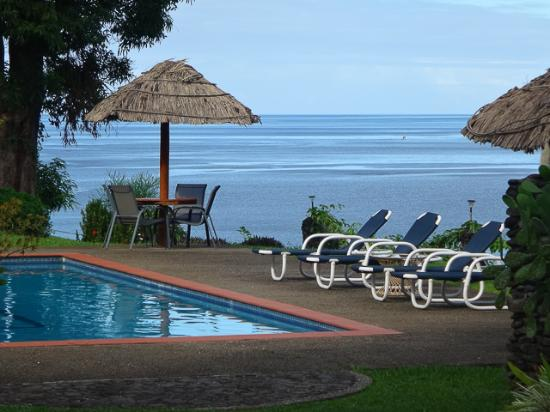 Nakia Resort & Dive: Nakia's Pool and View to the Sea