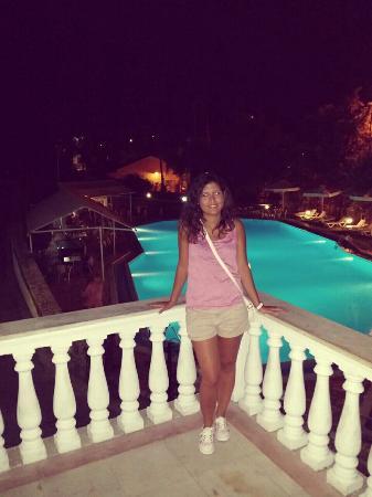 Corfu Village Hotel : Piscina dell'hotel di sera