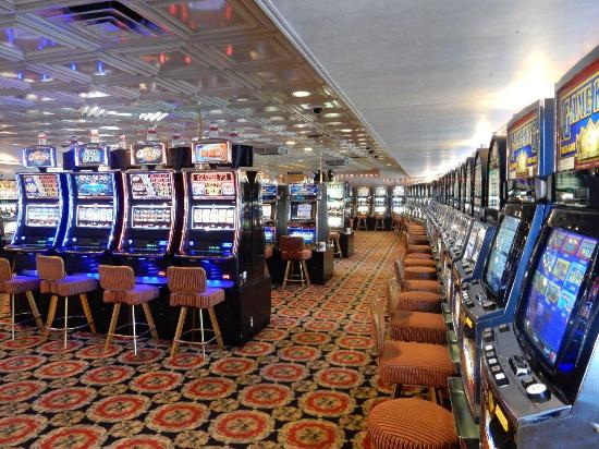 The Big M Casino : Lot's of  Slots