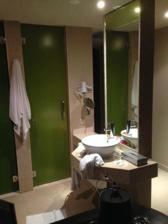 NH Punta Cana: Banheiro do quarto
