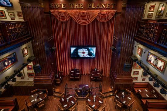 Hard Rock Cafe: Stage