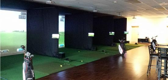 Golf Oasis Indoor Golf and Pub