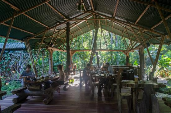 Danta Corcovado Lodge: The restaurant building