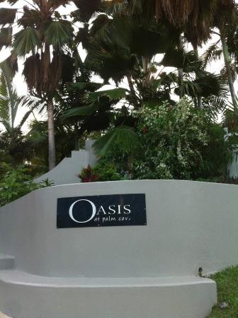 Oasis at Palm Cove: The entrance to the complex