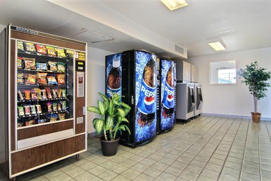 Motel 6 Tucumcari : Vending