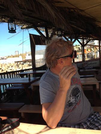 Kaai 4: Herrliches Schattendach direkt am Meer
