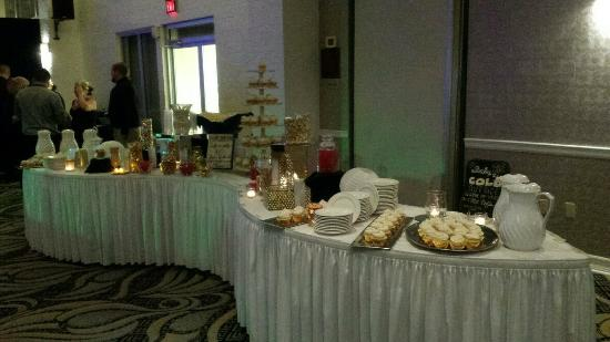 Ramada Greensburg Hotel and Conference Center: Hors D'oeuvres Table turned Sweets Table