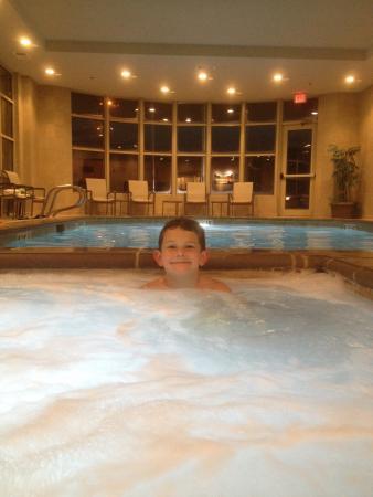 Enjoyed Jacuzzi/Pool Crowne Plaza Anchorage