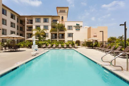 Homewood Suites by Hilton San Diego Airport - Liberty Station: Hotel Pool and Patio Area