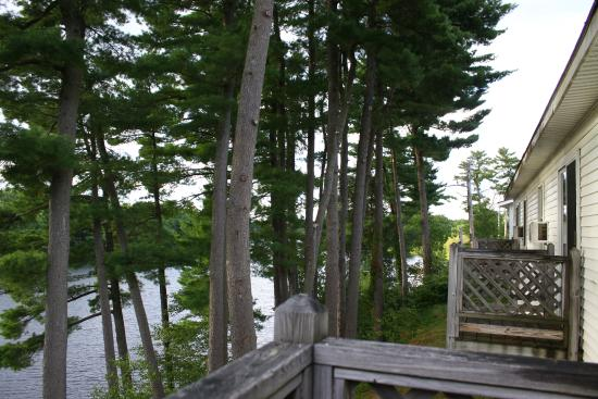 Milford Motel on the River: scenic view from the Back Deck