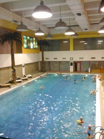 Yuda Palace Hotel : Piscina aquecida, amplo espaço de lazer