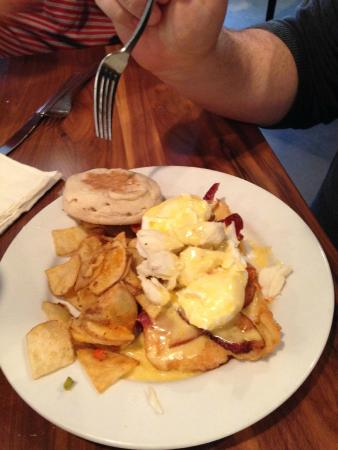 Cafe 615: Brunch - Eggs Mauvila