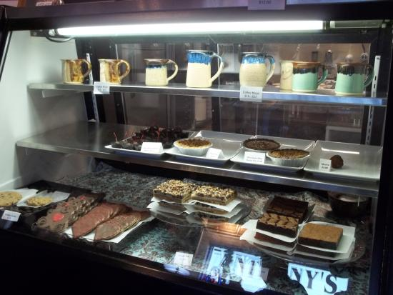 Anthony's Desserts : something for everyone