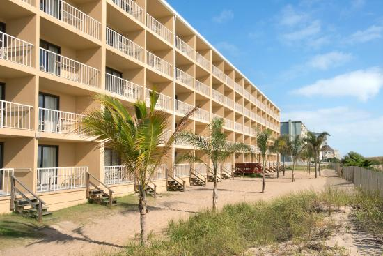 Quality Inn Oceanfront: Oceanfront rooms available